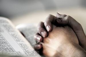 praying_hands_bibl